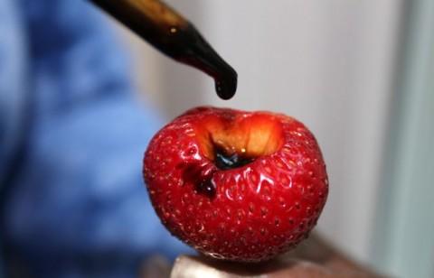 Strawberries with Balsamic Vinegar CU