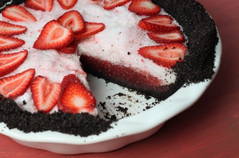Strawberry Pie with Chocolate Crust
